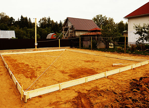 Фундаментные подушки для дома: бетонная, песчаная, гравийная, их устройство по снип, определение размеров - ширины, высоты, толщины и зачем она нужна?