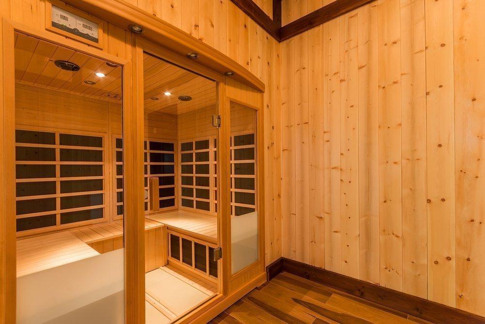Сауна своими руками (54 фото): проекты с бассейном и комнатой отдыха, инфракрасная сауна