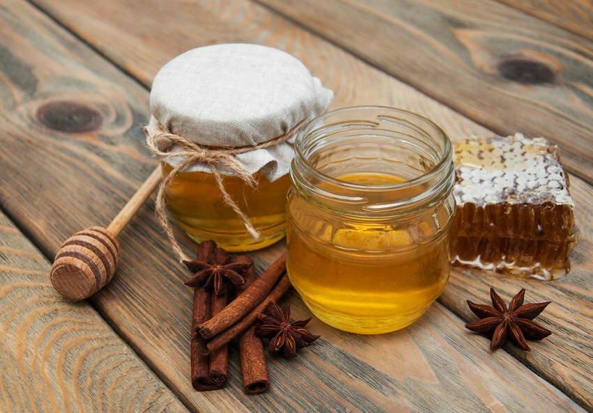В чем польза меда для лица? секреты восстановления и омоложения кожи лица, рецепты масок с медом