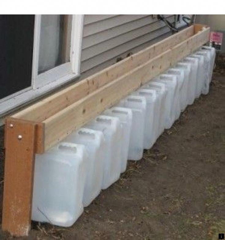 Водосток из пластиковых бутылок своими руками для слива воды с крыши