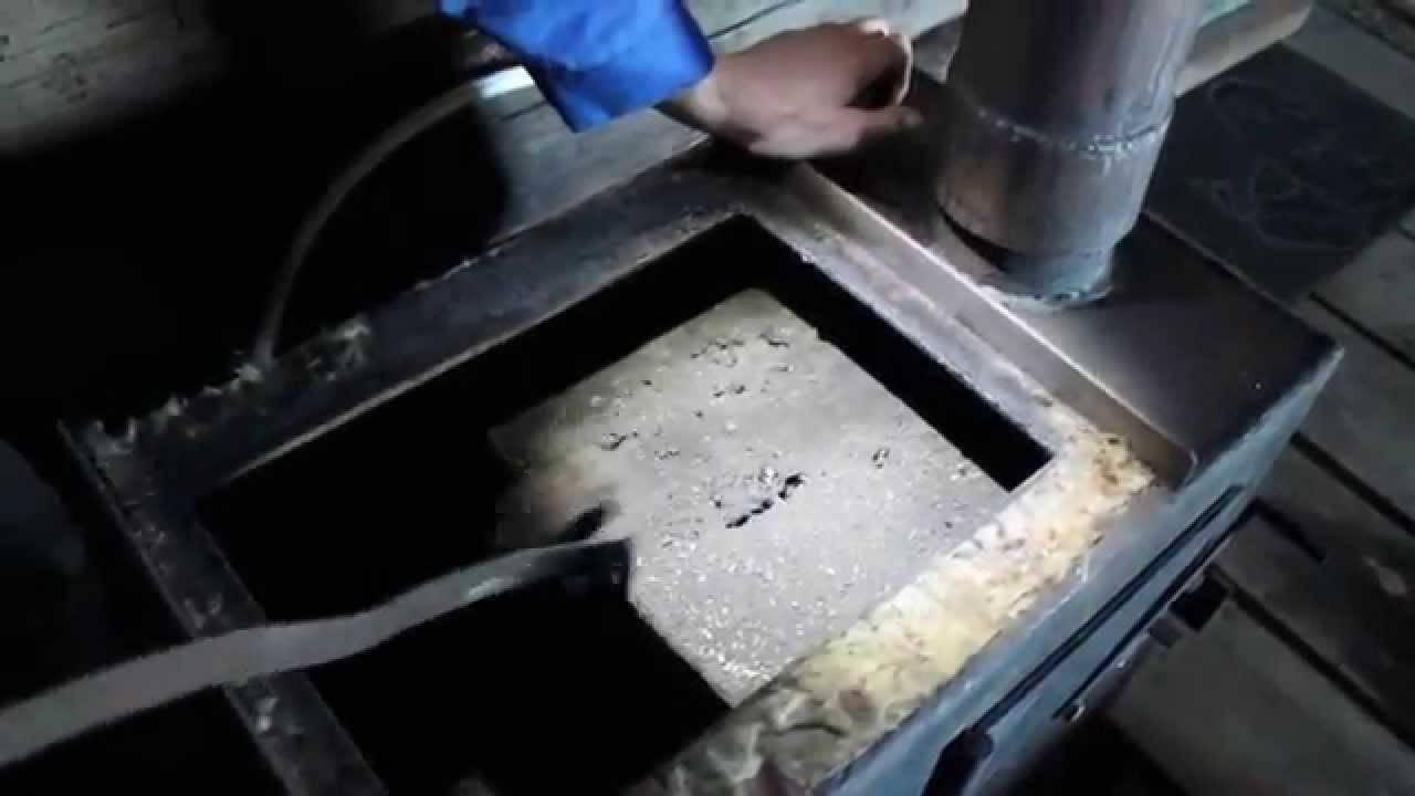 Чистка печной трубы (дымохода в частном доме): инструменты и средства для удаления сажи