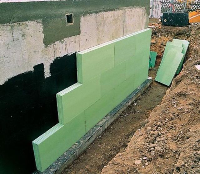 Как правильно крепить пеноплекс к стене снаружи здания своими руками