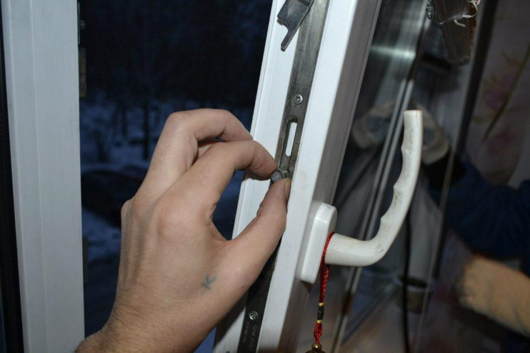 Регулировка пластиковых окон своими руками: пошаговые инструкции с фото и видео