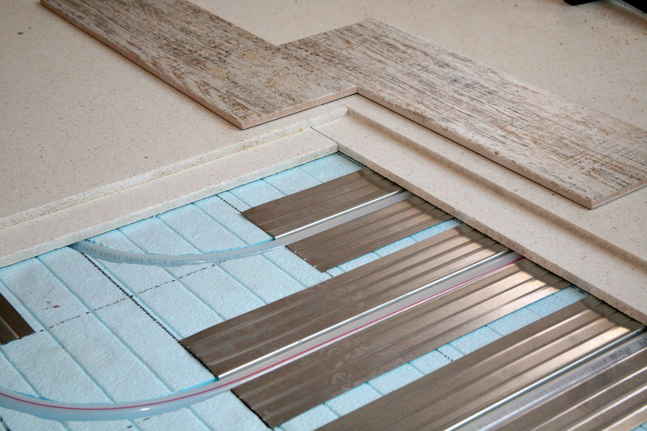 На что класть плитку в деревянном доме