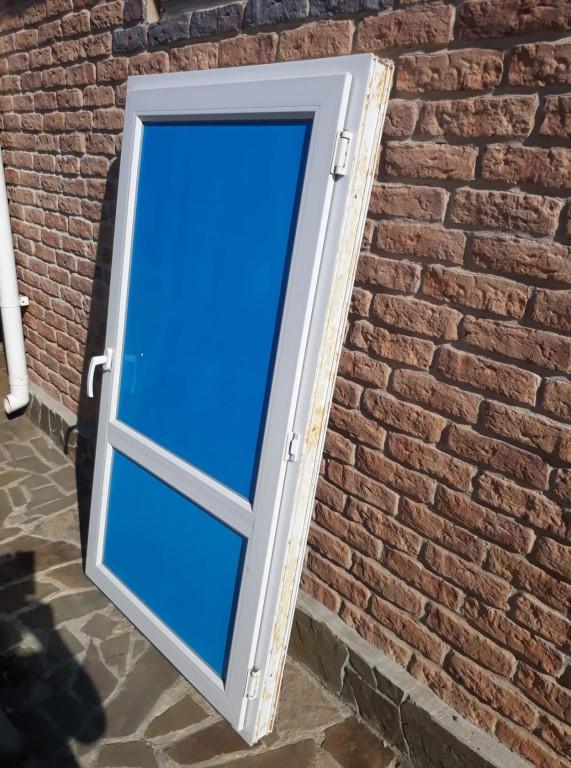 60 вариантов правильных деревянных дверей для бани