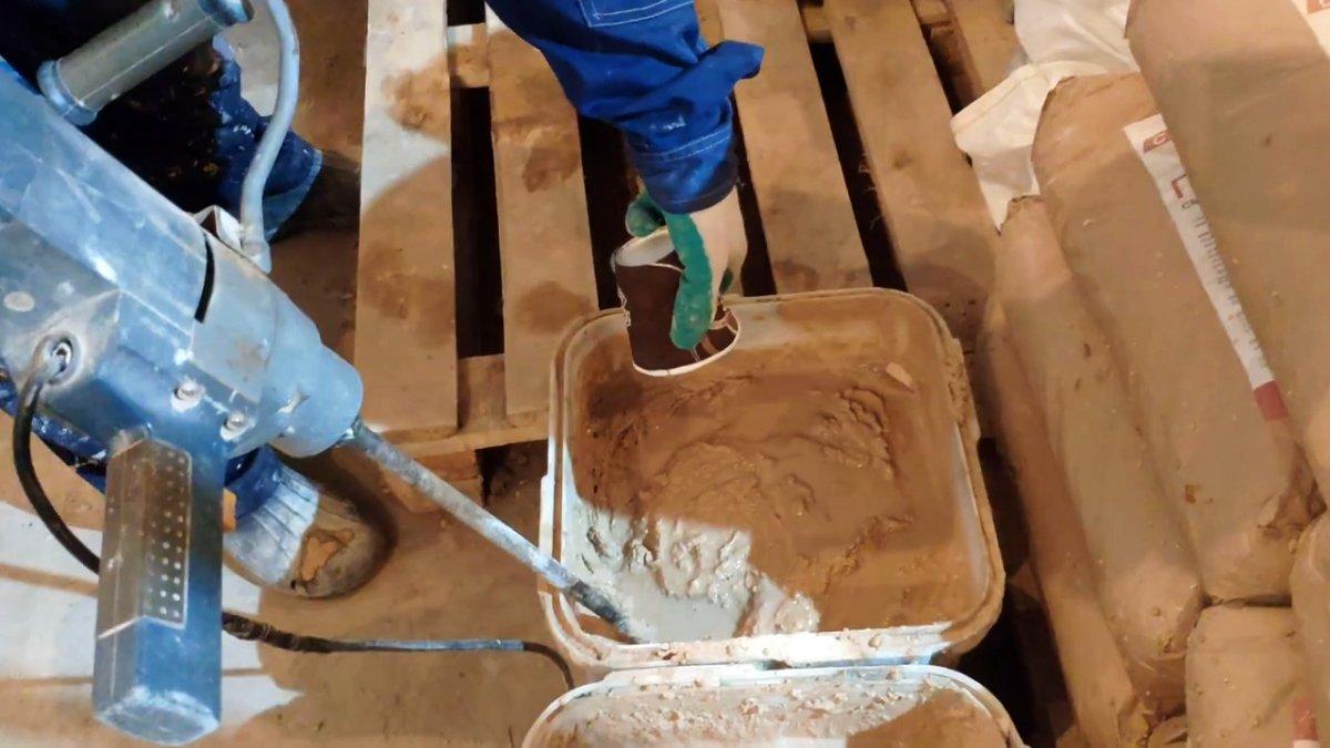 Подготовка кирпича и раствора для кладки печи