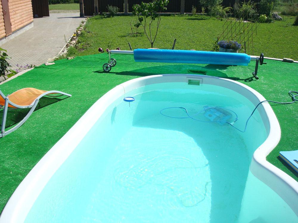 Бассейн для дачи композитный - строим баню или сауну