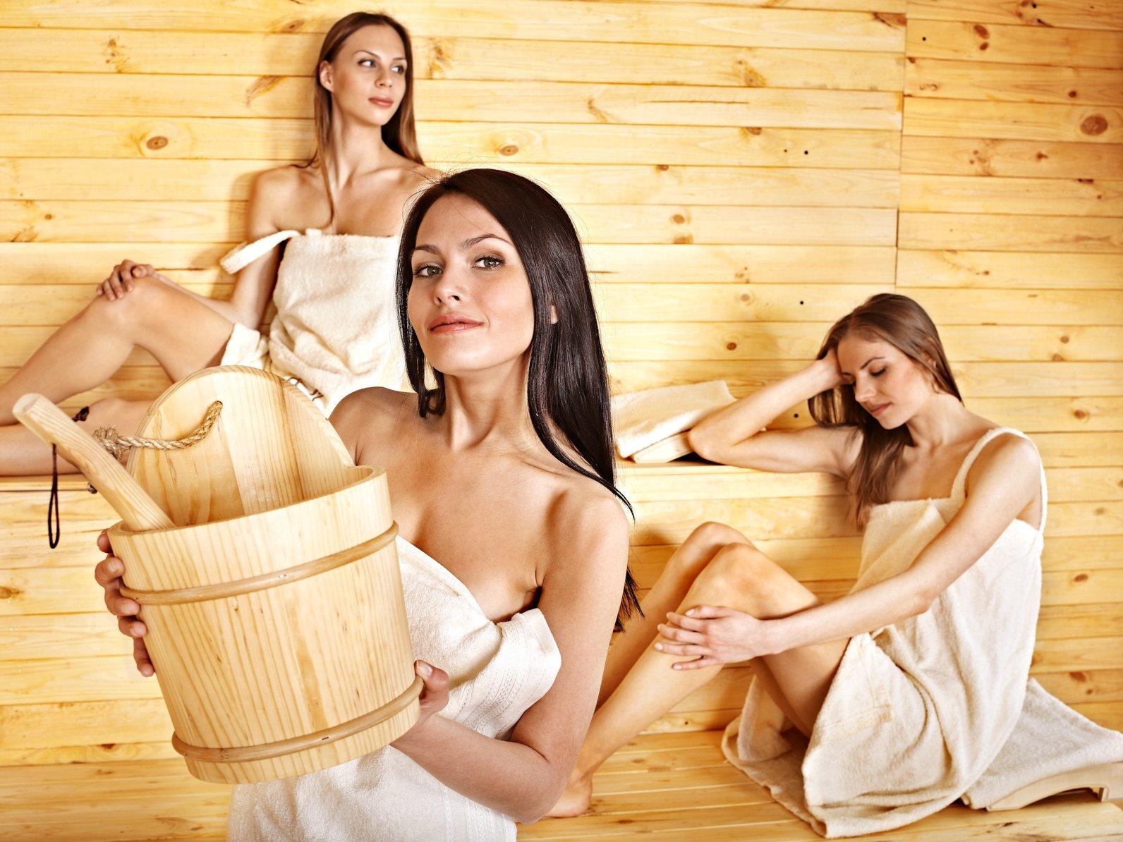Как правильно париться в бане для здоровья женщинам