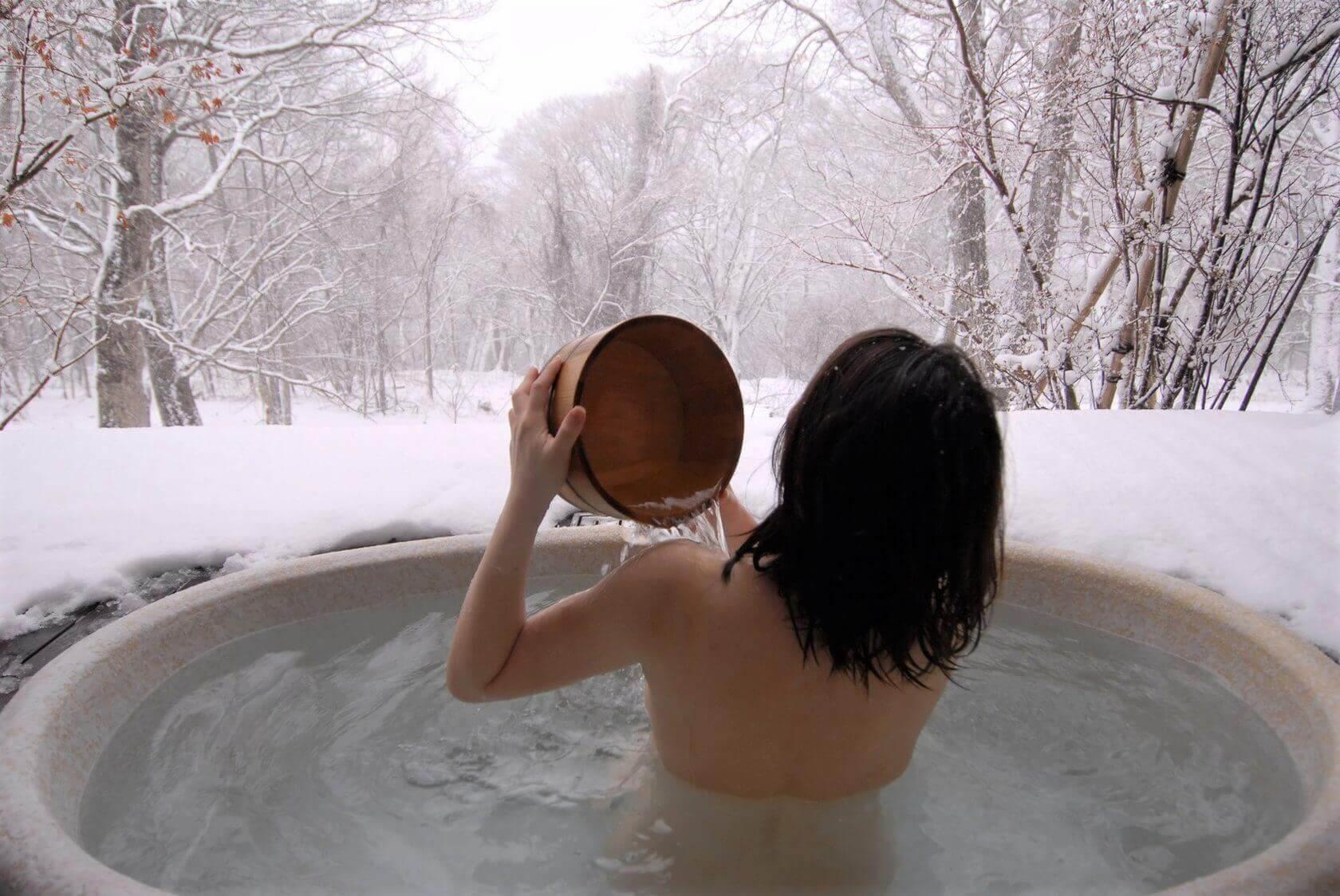 Обтирание снегом: польза и вред - здоровый образ жизни