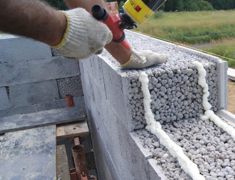 Из чего лучше строить баню - советы по выбору материалов, сравнение газобетона, керамзитобетонных блоков, кирпича и прочего, их плюсы и минусы, отзывы с фото