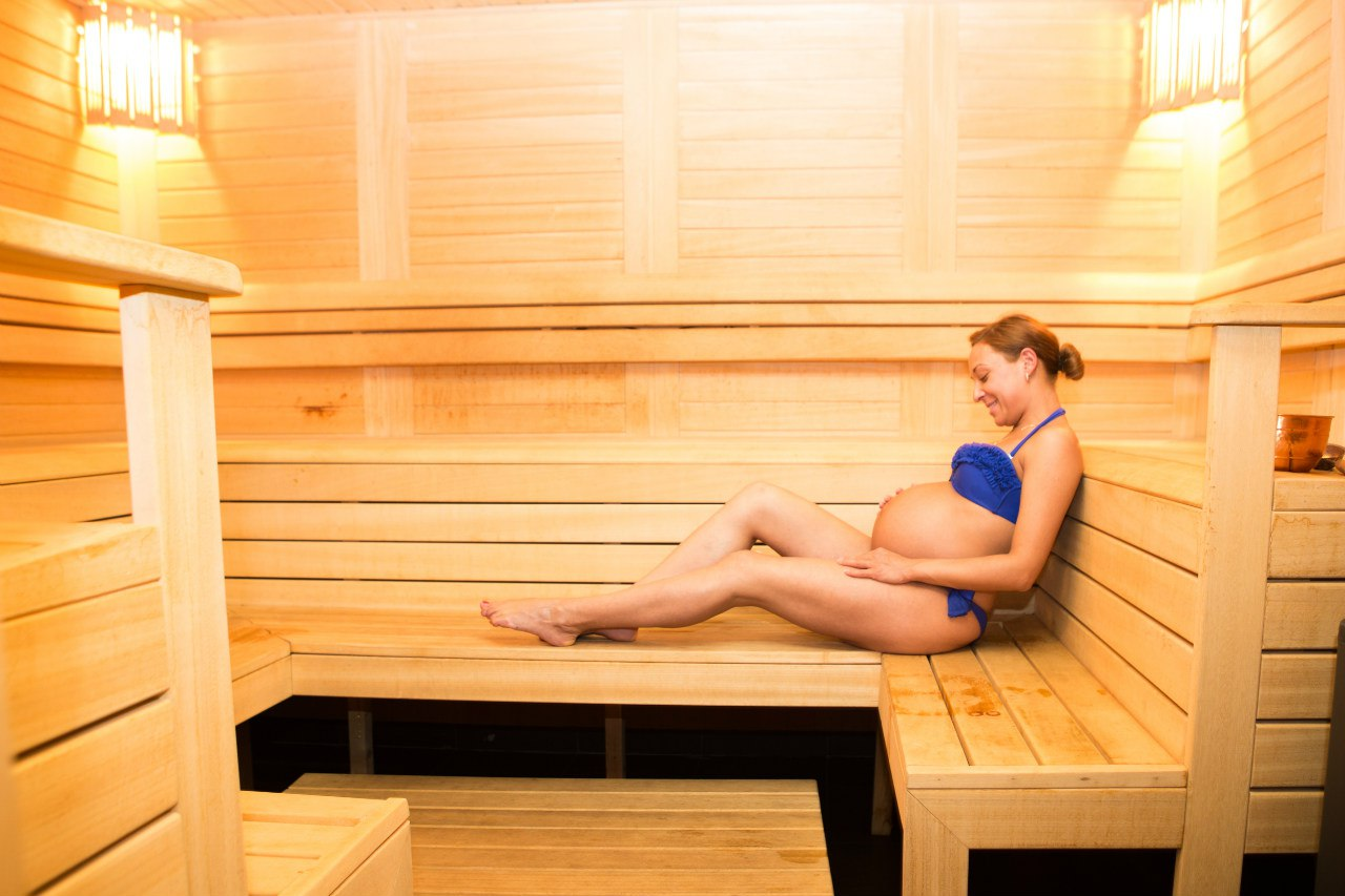 Чем полезна баня для женщин? баня: польза и противопоказания для женщин