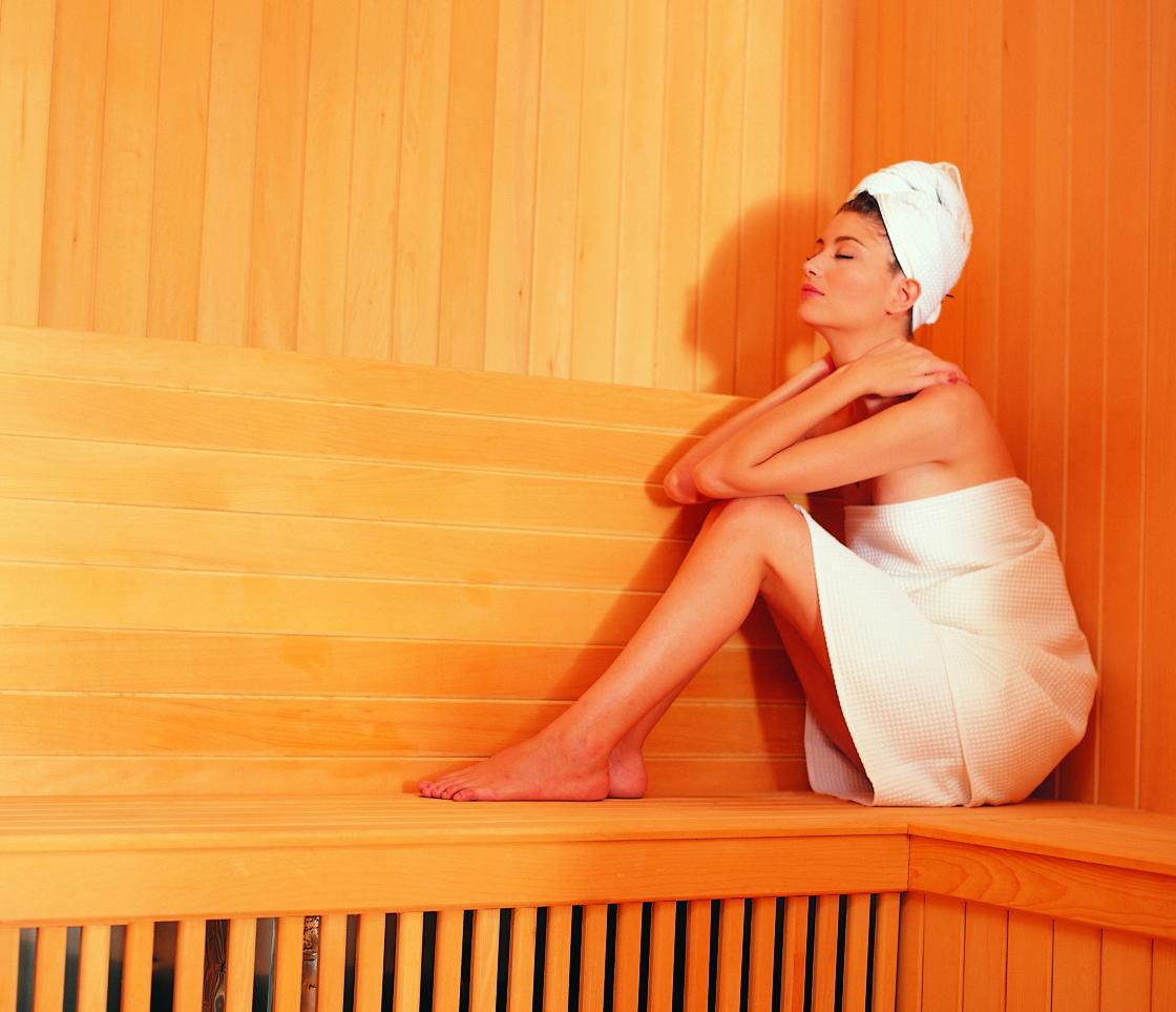 Можно ли париться в бане и сауне при миоме, а так же ходить в солярий и загорать