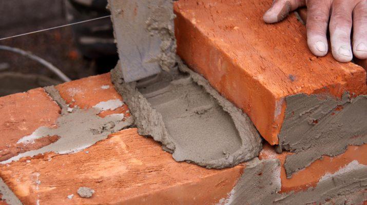 Термостойкий герметик для печей и каминов, чтобы изолировать швы и устранять трещины