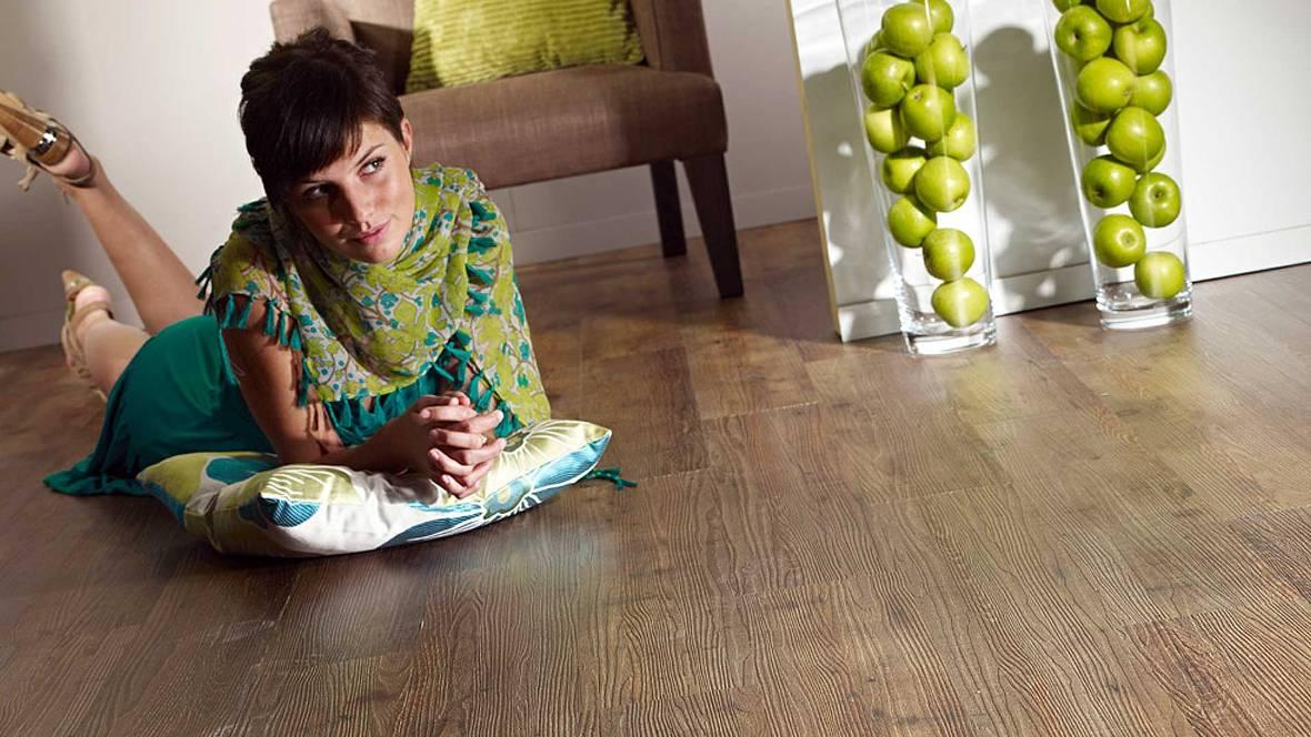 Виниловая плитка для пола – свойства и стоимость материала