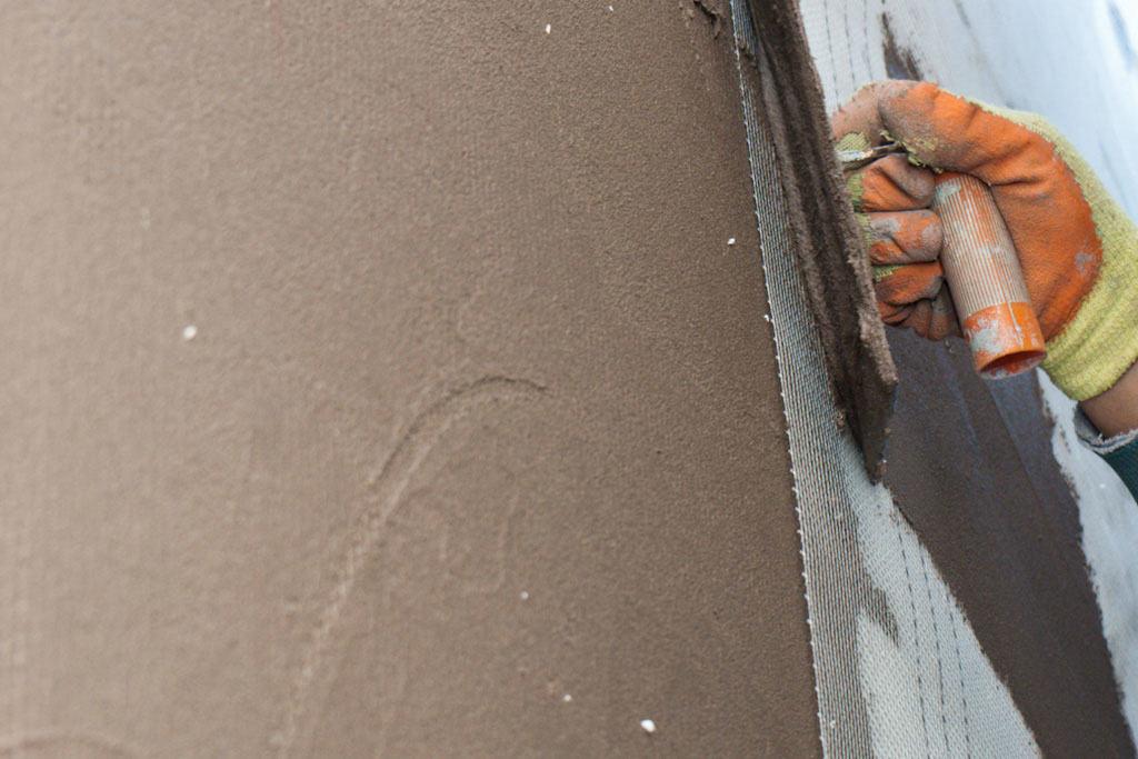 Штукатурка по пеноплексу фасада, правила проведения работ