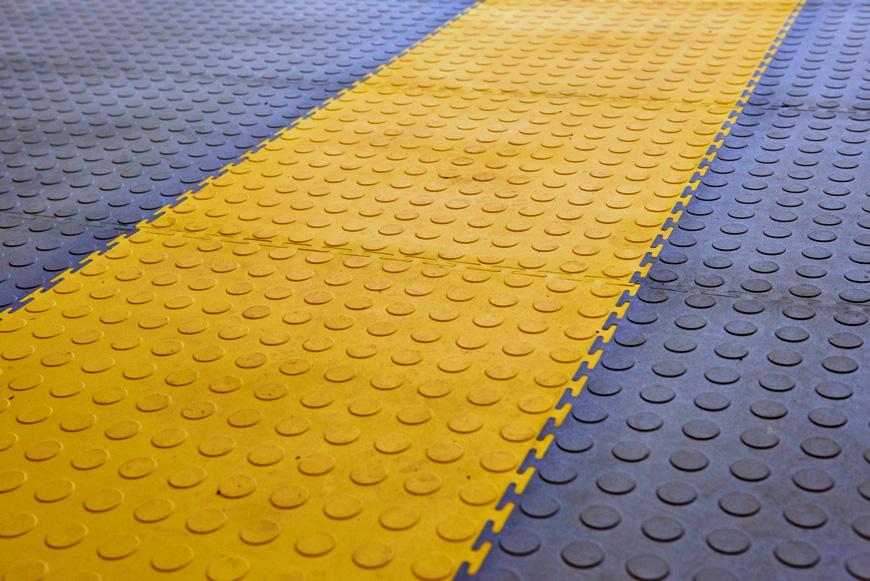 Veropol base. модульное напольное пвх покрытие с гладкой текстурой для магазина, офиса, склада. коммерческое пвх покрытие.