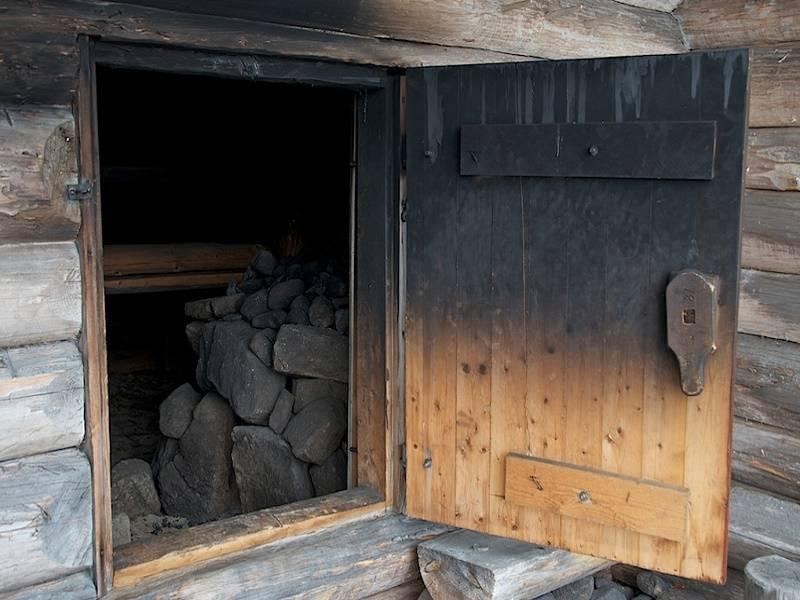 Баня по-черному своими руками: особенности постройки
