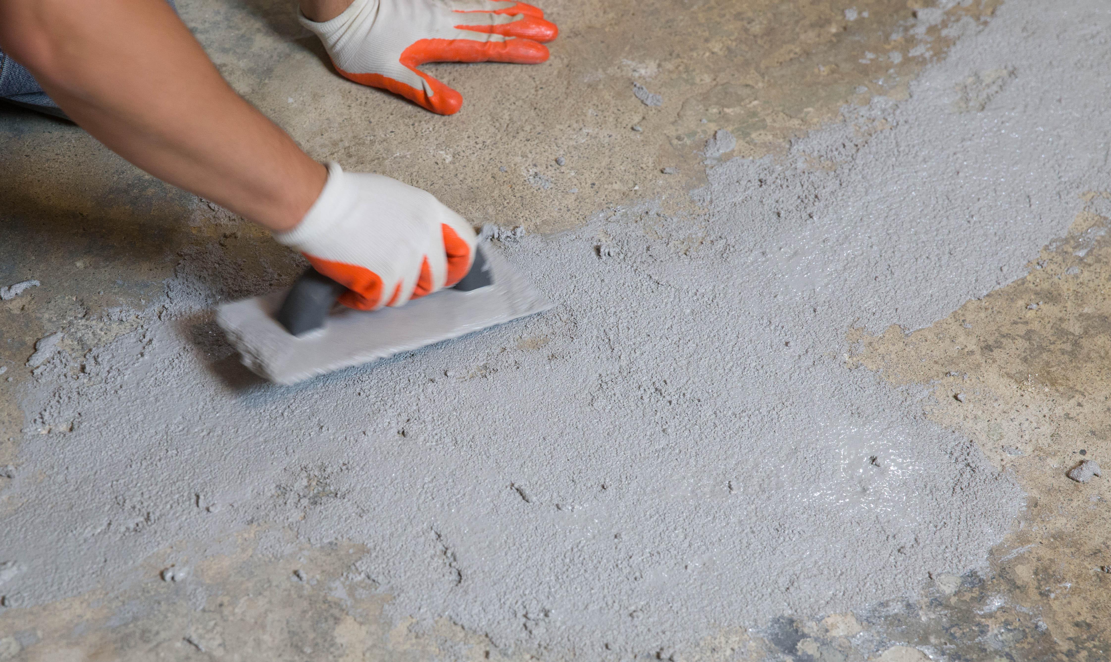 Чем заделать трещины в бетоне: технология