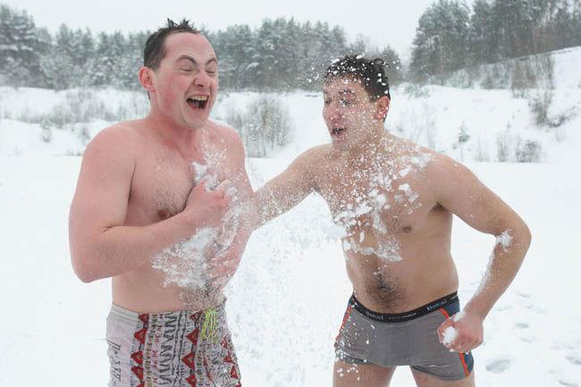 В снег после бани польза