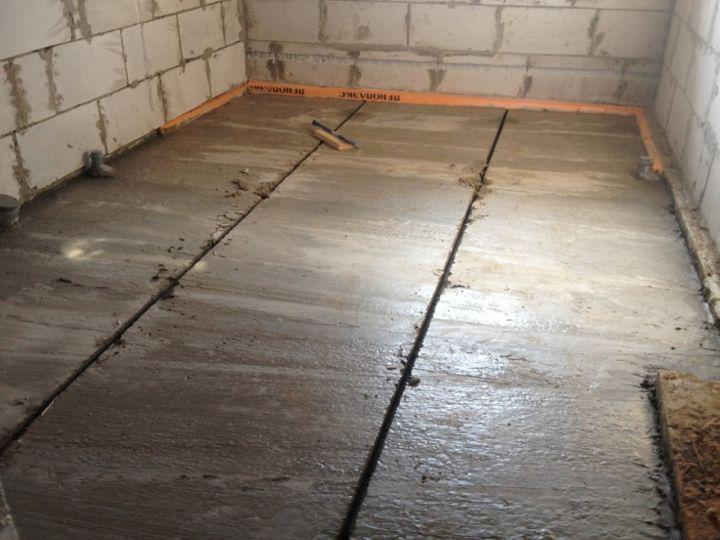 Бетонный пол по грунту в частном доме (48 фото): плюсы и минусы заливки бетоном, устройство и правила бетонирования своими руками с нуля