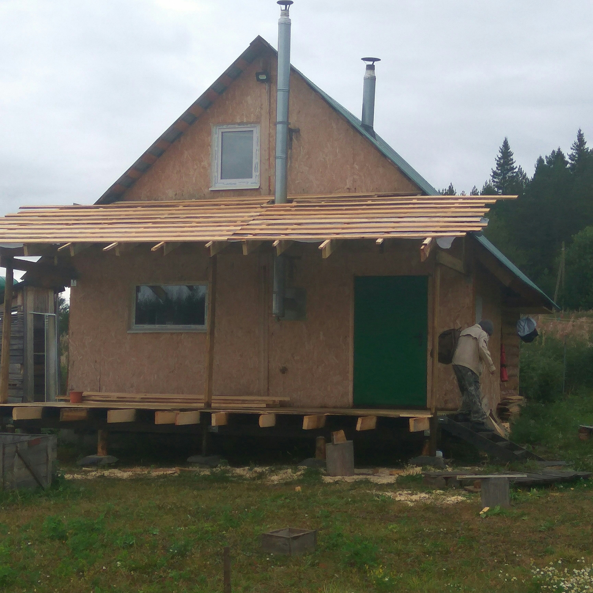 Проекты бани с верандой под одной крышей (71 фото): планировка дома-бани с зоной для барбекю, идеи двухэтажной конструкции с местом для отдыха, обустройство площади 3х6 и 5х6 м своими руками