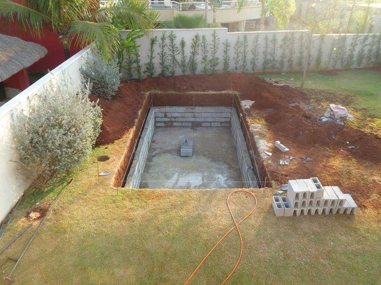 Как сделать бассейн на даче из подручных материалов своими руками