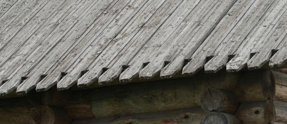 Тесовая крыша из досок – расчет материала и технология укладки