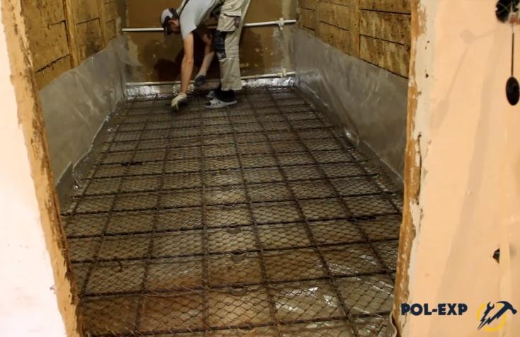 Заливка пола своими руками в бане — бетонная и сухая — строительство бани
