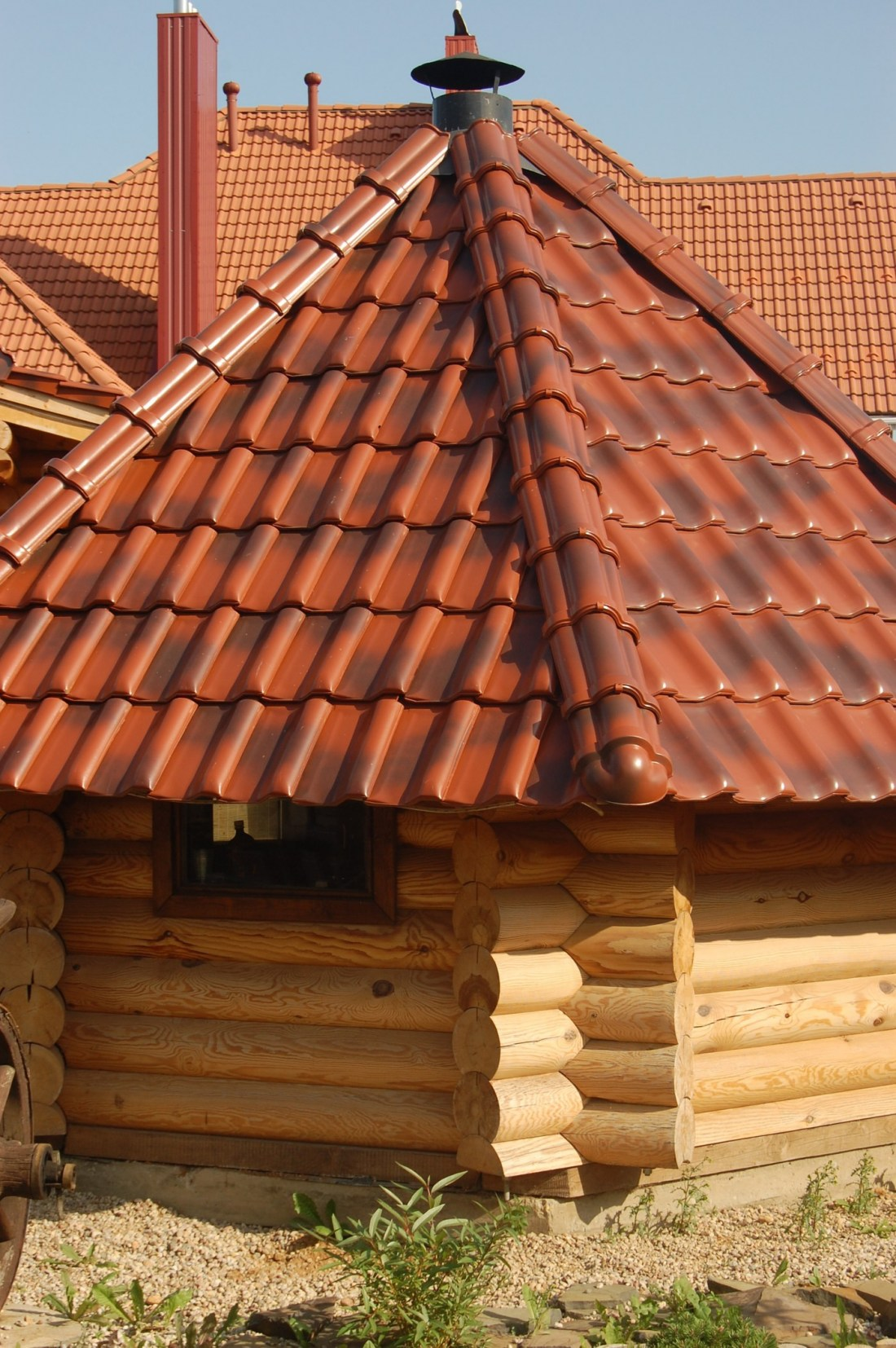 Чем лучше покрыть крышу бани: ондулин, профнастил или черепица, что лучше