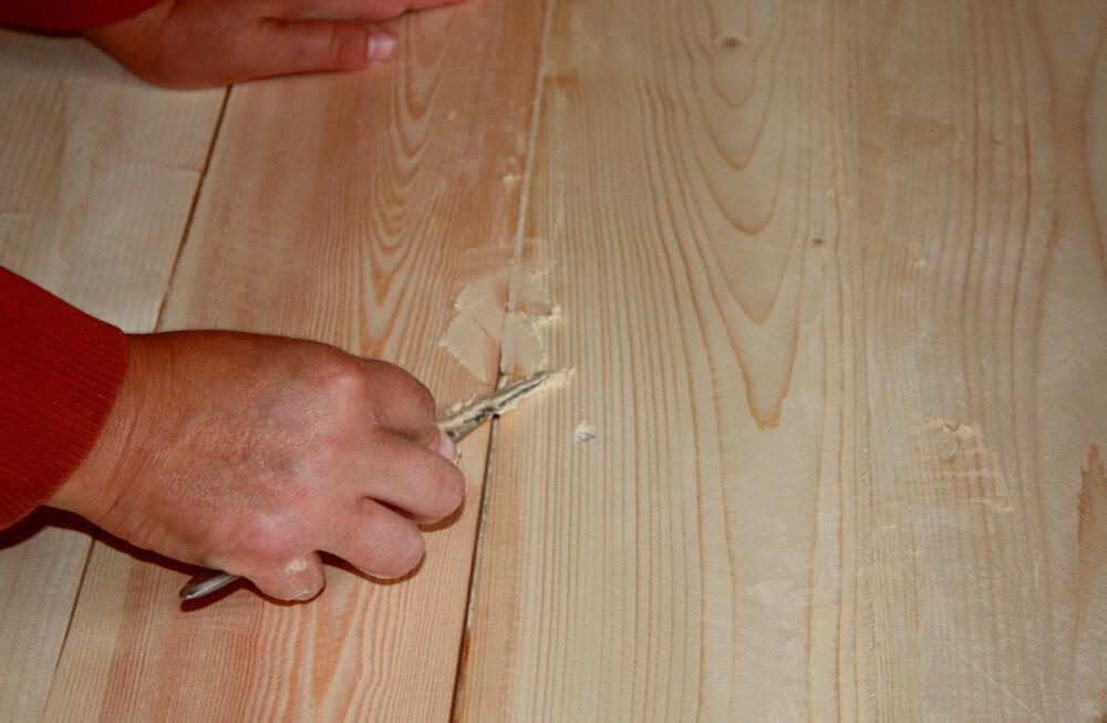 Как заделать щели в деревянном полу + фото и видео