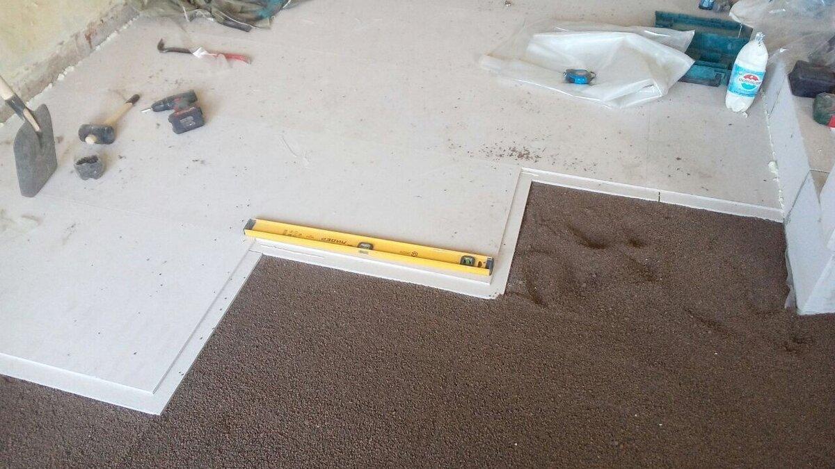 Как положить плитку на деревянный пол: обзор базовых вариантов укладки