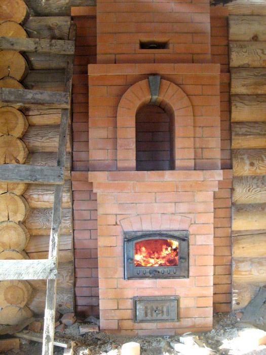 Печь с камином из кирпича, строительство многофункционального сооружения