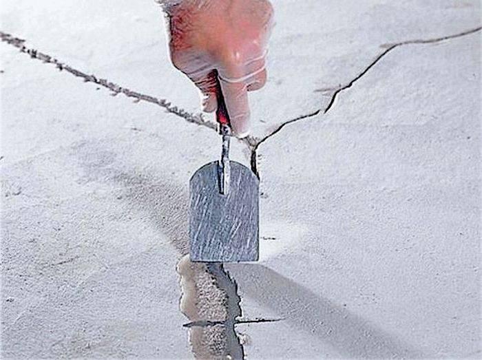 Ремонт бетонных полов: от трещин и выбоин до замены стяжки