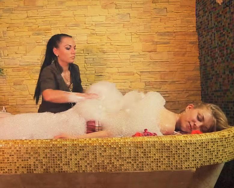3 самых популярных способа пилинга в хаммаме | информационный сайт о турецкой бане - хаммаме!