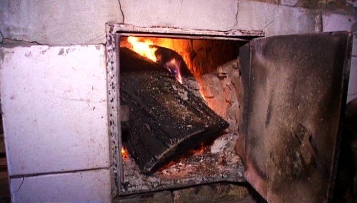 Дымит печка в доме — что делать: 5 наиболее распространённых ситуаций