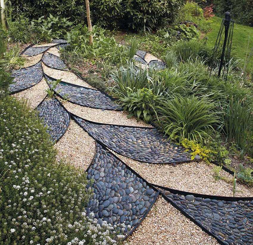 Практично и красиво: заливаем садовую бетонную дорожку своими руками