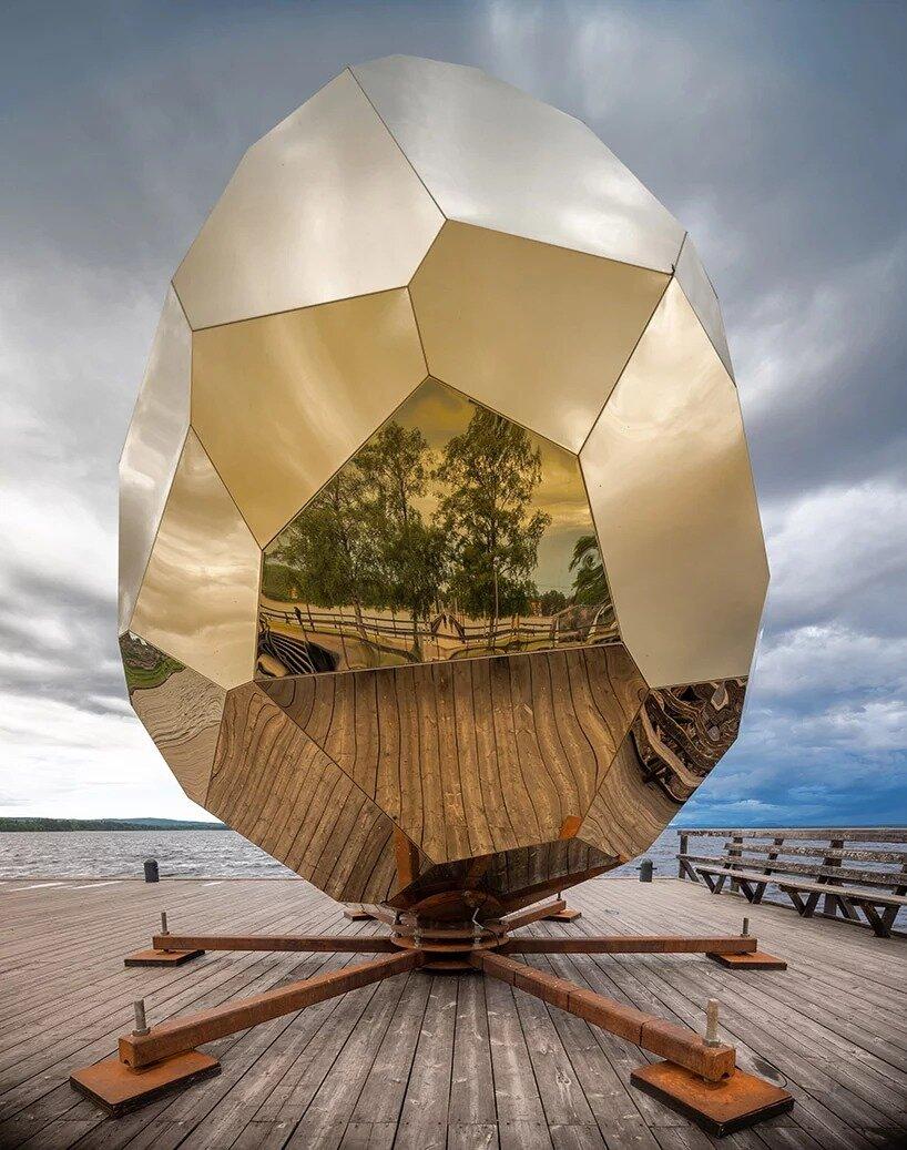 Сауна в виде золотого яйца - фото и описание