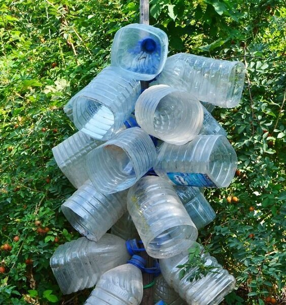 Как сделать водосток из пластиковых бутылок своими руками: инструкция +видео