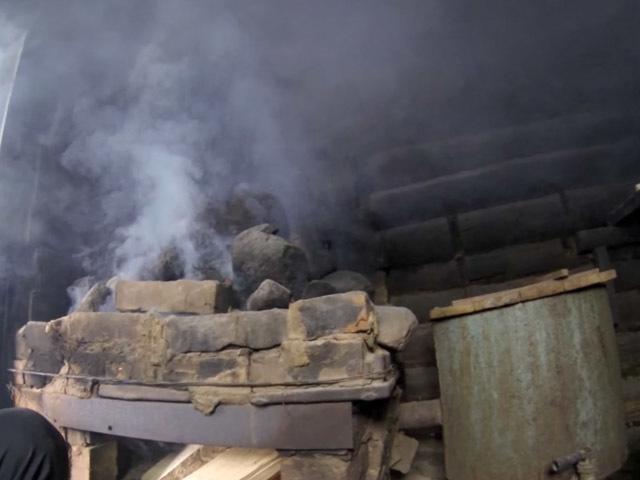 Баня по-черному: что это такое и как топить печь в русской бане?
