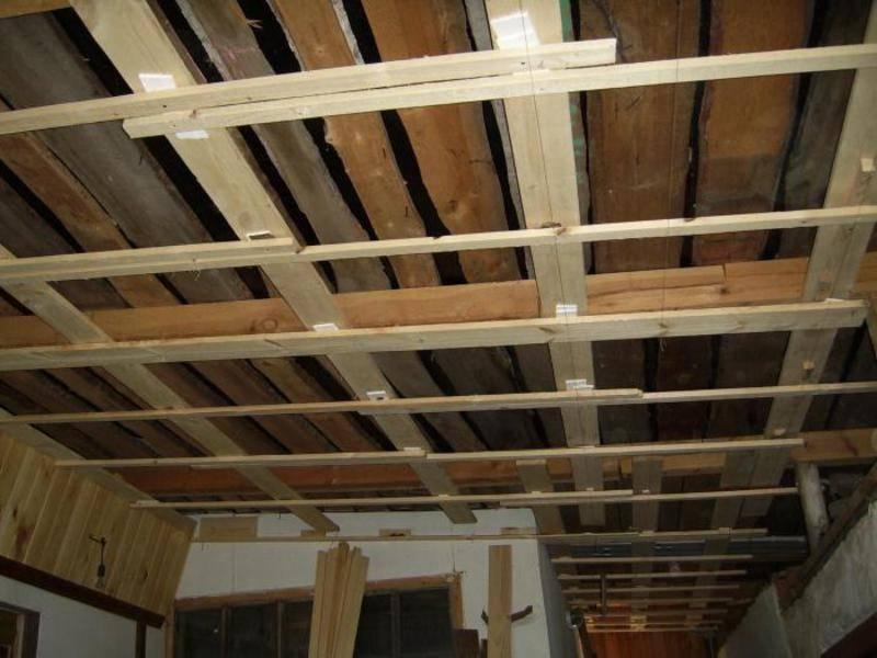 Как прибить вагонку к потолку: этапы работы