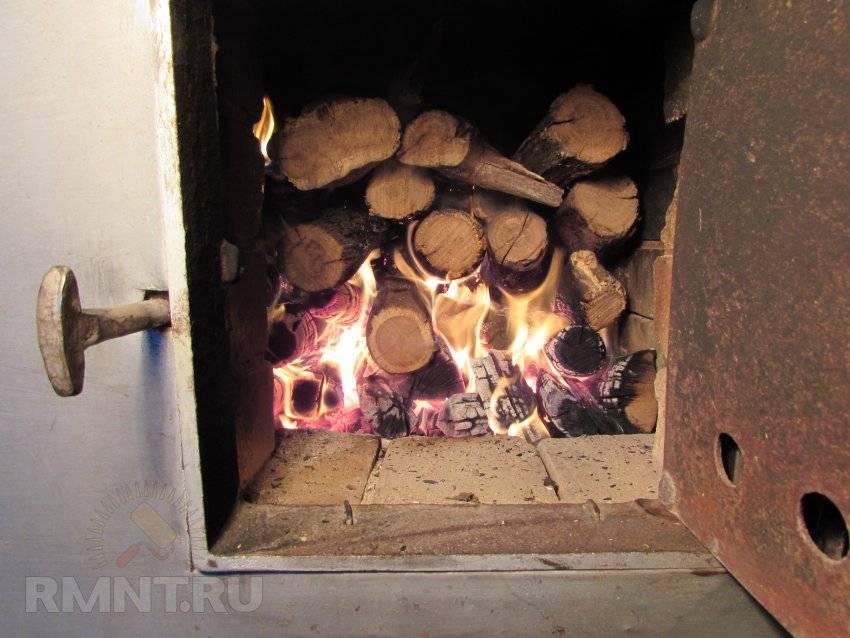 Как топить печь дровами в бане? 8 фото