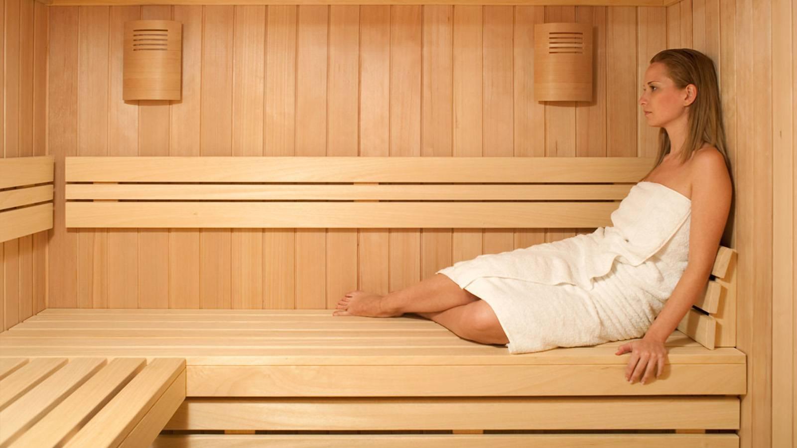 Можно ли париться в бане, сауне при месячных