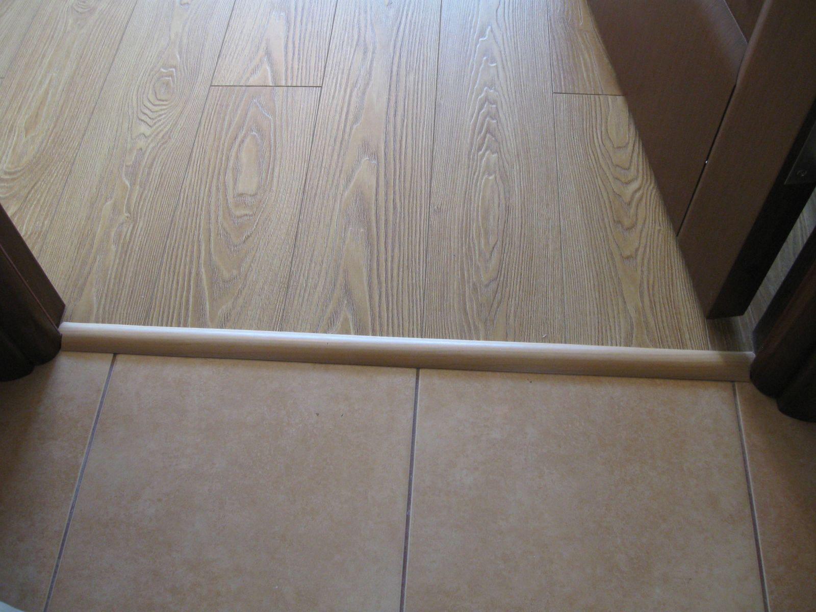 Как обустроить стык ламината и плитки без порожка: советы специалистов
