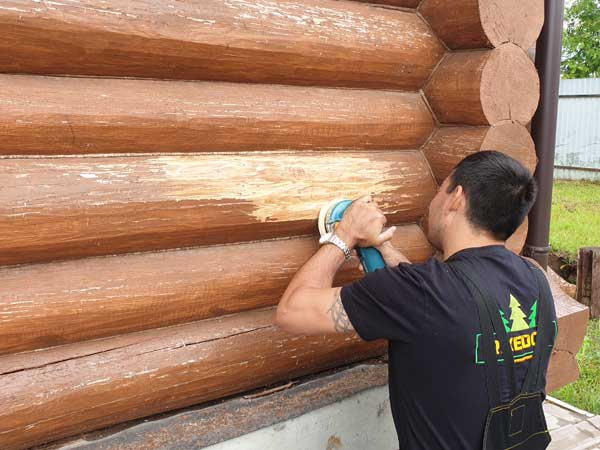 Шлифовка деревянного дома: выбор инструмента и рабочий процесс