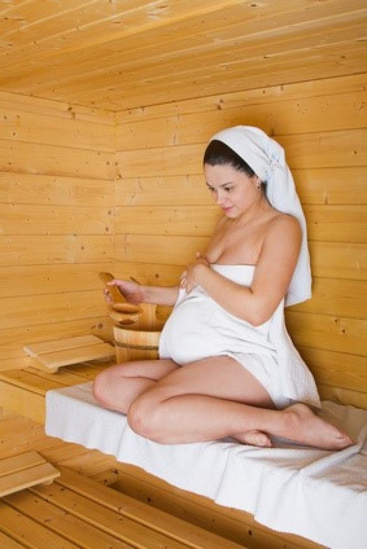Можно ли беременным ходить в баню? вред и польза сауны при беременности