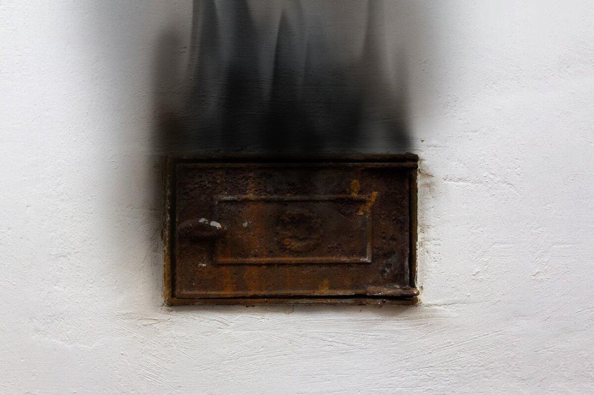 Дымит печь: возможные причины дыма из печки, решения проблемы