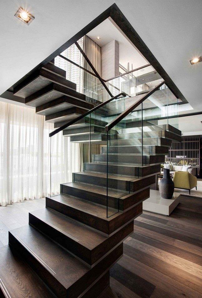 Интерьер гостиной с лестницей на второй этаж: 50 идей на фото
