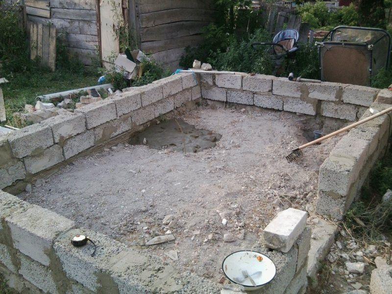 Фундамент для дома из керамзитобетонных блоков: правила монтажа