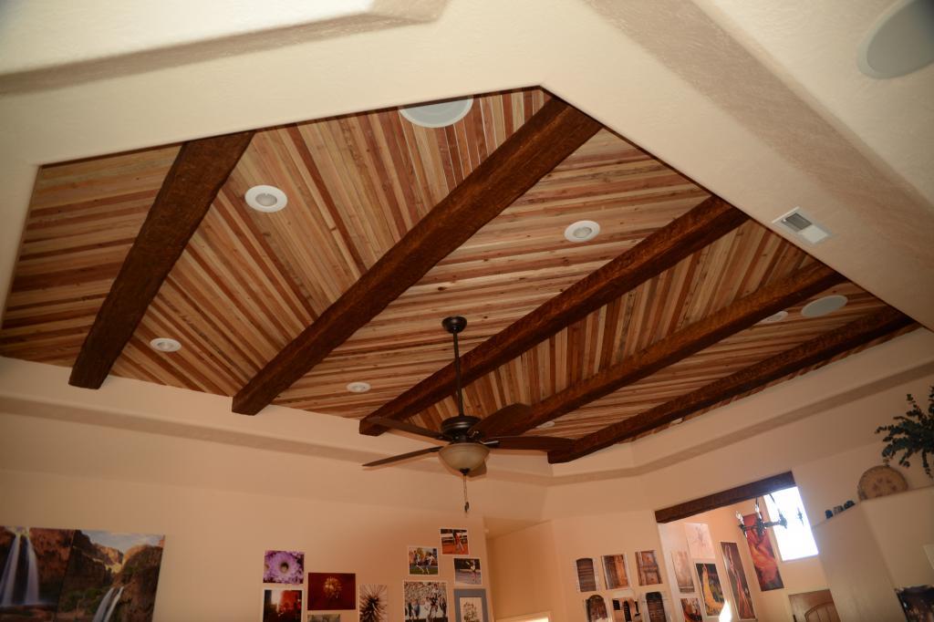 Потолок из дерева своими руками