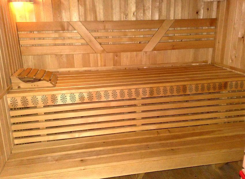 Полки в бане: размеры - высота, ширина, длина, расстояние между ними по горизонтали и вертикали, различия конструкции для русской бани и сауны